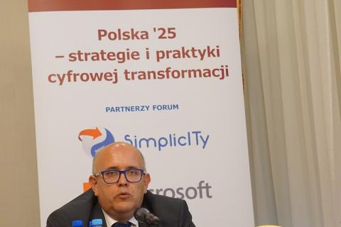 Wojciech Wiewiórowski speaking during the Forum Teleinformatyki